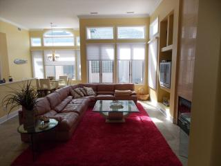 Cozy 3 bedroom Diamond Beach House with Internet Access - Diamond Beach vacation rentals