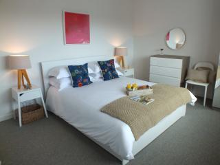 Perfect 2 bedroom Polruan Bungalow with Internet Access - Polruan vacation rentals