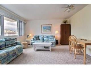 BE BY THE SEA****Comfortably Close***TO THE OCEAN AND BOARDWALK/25 yrs and up - Wildwood vacation rentals