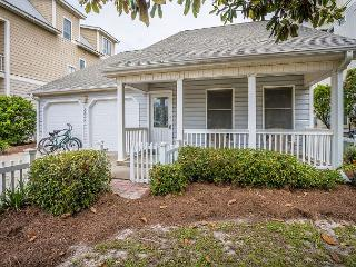 Charming & cozy 4br house located in Seagrove Beach! PET FRIENDLY! Sleeps 8!! - Santa Rosa Beach vacation rentals