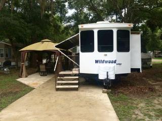 Nice Caravan/mobile home with Television and DVD Player - Salt Springs vacation rentals