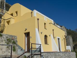 Beautiful 4 bedroom Praiano House with Internet Access - Praiano vacation rentals