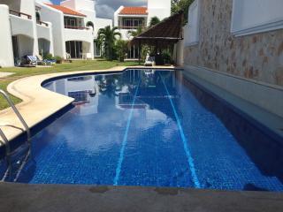 MMD1 Villa for 8 , walking distance to the beach - Playa del Carmen vacation rentals