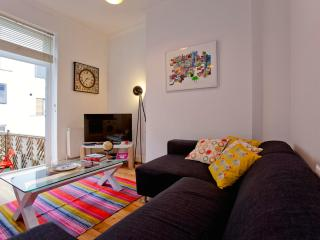 Colorful 2 Bedroom in Islington - London vacation rentals