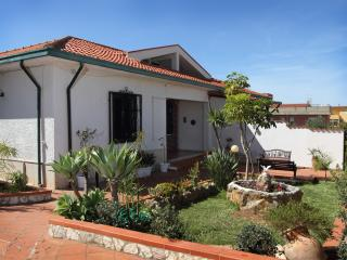 Comfortable Villa with Internet Access and Television - Trappeto vacation rentals