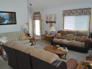Sebago Lake waterfront Open Concept 4BR Cottage - Naples vacation rentals