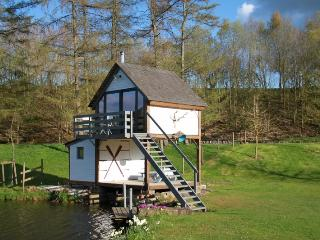Romantic Boathouse with Internet Access and Housekeeping Included - Walcourt vacation rentals