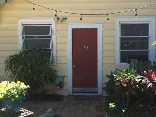 Cozy Studio in Downtown St Pete. Walk Everywhere. - Saint Petersburg vacation rentals