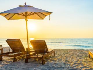 Beautiful Beaches and Gorgeous Sunsets. Unit 214 - Bradenton Beach vacation rentals