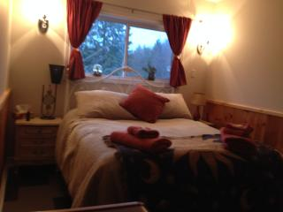 Circa 1894 B&B and Day Spa - Moon Room - Lanark vacation rentals