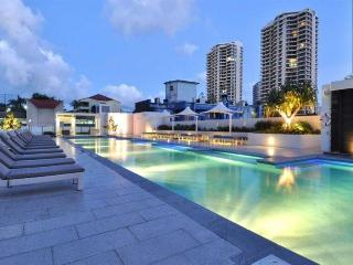 3 BED MESMERISING CITY AND OCEAN VIEWS APT 23303 - Surfers Paradise vacation rentals