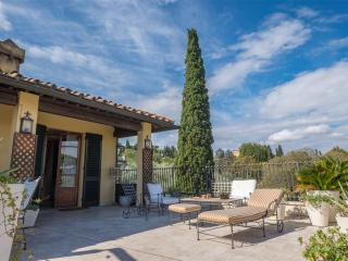 Luxurious apartment 4 bed/4bth renovated in 2009 - Florence vacation rentals