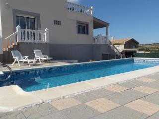 Nice House with Internet Access and Dishwasher - Montroy vacation rentals
