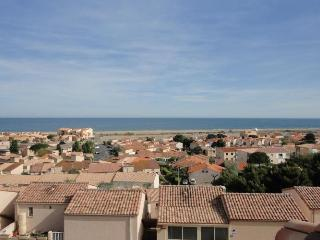 Beautiful 2 bedroom Saint Pierre House with Dishwasher - Saint Pierre vacation rentals
