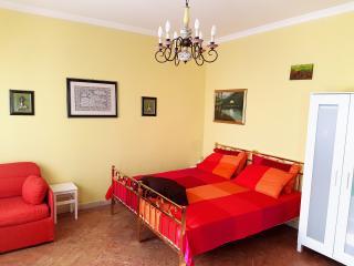 La Meridiana Appartemento Sangiano - Lago Maggiore - Leggiuno vacation rentals