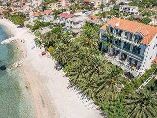 VILLA PALMS-Accommodation along the beach and sea - Podstrana vacation rentals