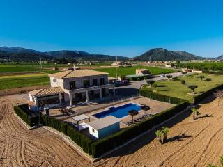 Spectacular holiday house for 8 people with pool, in the heart of Mallorca and 15 minutes from the beaches of Alcudia and Pollensa - HM010RDC - Sa Pobla vacation rentals