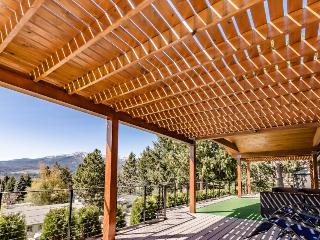 Modern and luxurious lakeview home with plenty of upscale features! - Manson vacation rentals