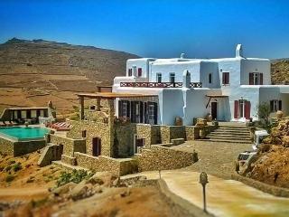 luxury villa 720m2 facing beach total privacy - Kalafatis vacation rentals