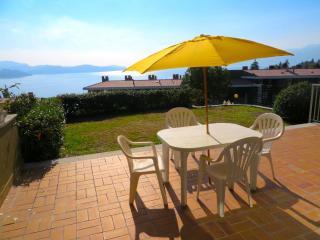 Bright 1 bedroom Condo in Ghiffa - Ghiffa vacation rentals