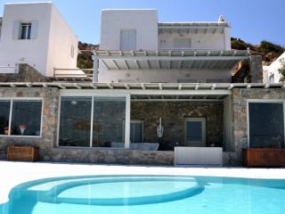 Apartment with shared pool, 4 pax, Mykonos, Greece - Agios Ioannis vacation rentals