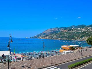 Seafront Balcony Amalficoast holiday - Maiori vacation rentals
