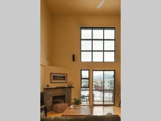 Cool Apartments Vacation Rentals In Boulder Flipkey Home Interior And Landscaping Ologienasavecom