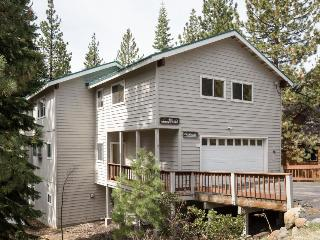 Dog-friendly chalet with a private hot tub, a short drive from skiing & the lake - Kings Beach vacation rentals