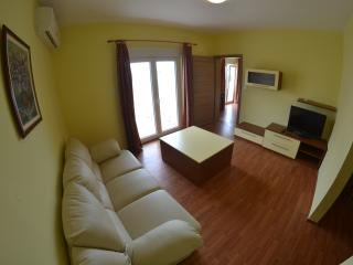 2 bedroom Apartment with Internet Access in Lopar - Lopar vacation rentals