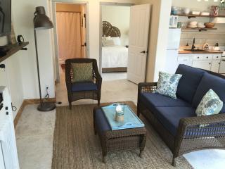 Burlap & Grain 2 Bedroom Coastal Cottage - Ocean Shores vacation rentals