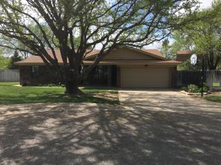 4 BR 2 BA family home on cul-de-sac & golf course - Canyon vacation rentals