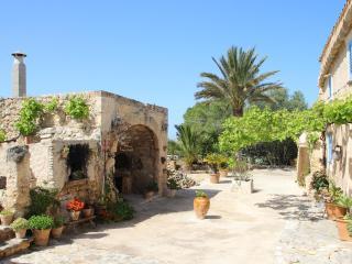 """Finca """"Can Roca"""" ,Mallorca - Felanitx vacation rentals"""