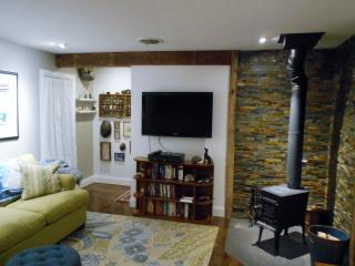 Cozy Cottage w Wood Burning Stove - Confluence vacation rentals