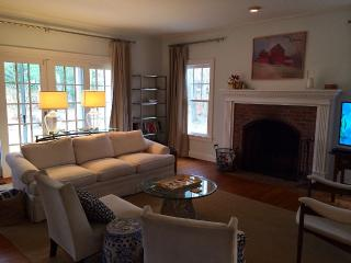 Georgeous, 5 bed Rustic Country Retreat Near Beach - East Hampton vacation rentals