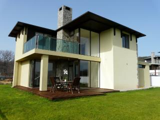 4 bed sea view for 12 near Albena - Osenovo vacation rentals
