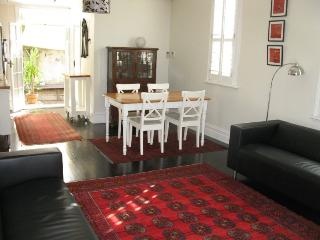 Charming 2 bedroom Sydney House with Internet Access - Sydney vacation rentals