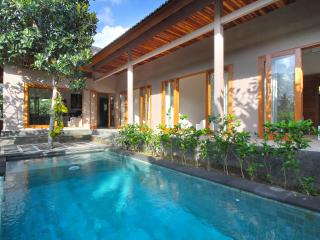 VILLA NANGKA - by BaliOn - Canggu vacation rentals