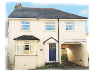 Comfortable 3 bed house- near beach, dog friendly - Charmouth vacation rentals