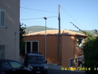 1 bedroom House with Satellite Or Cable TV in Santa Caterina di Pittinuri - Santa Caterina di Pittinuri vacation rentals