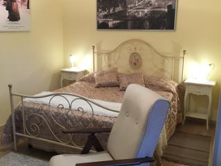 "Double room ""LaBohéme"" in Tuscan countryside Villa - Serravalle Pistoiese vacation rentals"