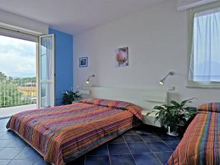 Bilocali 20 mt dal mare Marina di Pietrasanta - Marina Di Pietrasanta vacation rentals