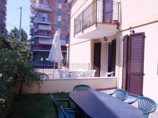 Villa B bifamigliare 3 cam/3 bagni con giardino - Bellaria-Igea Marina vacation rentals