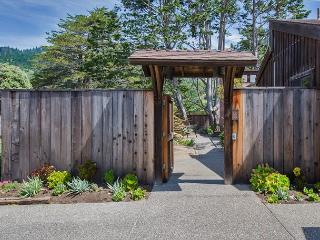 Spacious three bedroom home close to the beach - Stinson Beach vacation rentals