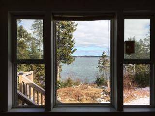 Gorgeous House with Internet Access and Dishwasher - Eastport vacation rentals