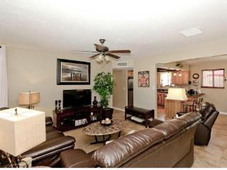 Havasu Hillside Oasis 3BD/2BA Family Friendly Home - Lake Havasu City vacation rentals