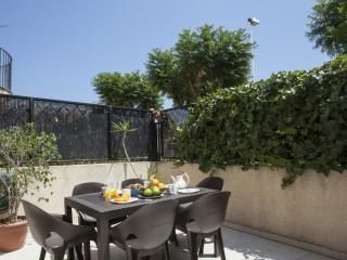 3 bedroom House with Internet Access in Puig - Puig vacation rentals