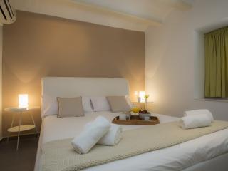 Nice 1 bedroom House in Valencia - Valencia vacation rentals