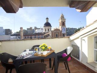 Botanico Ático Duplex 302 - Valencia vacation rentals