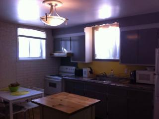 Short or long term rental for vacationers/workers - Longueuil vacation rentals