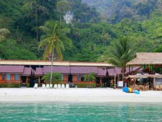 Beautiful Bungalow with Internet Access and A/C - Ko Phi Phi Don vacation rentals